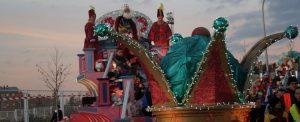 Los Reyes Magos pasan por Villa de Vallecas el 4 de enero