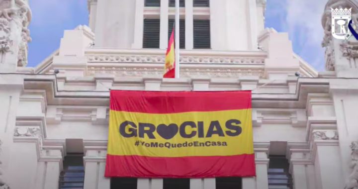 Una veintena de cantantes animan a los madrileños a través de los versos de Sabina