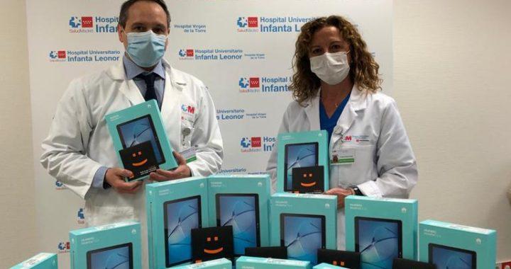 El hospital Infanta Leonor facilita la comunicación de los pacientes con sus familiares