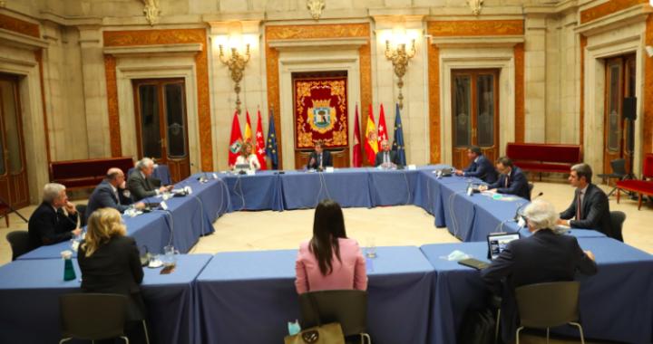 Almeida se reúne con representantes del sector empresarial y social