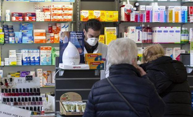 Los madrileños podrán recoger gratis sus mascarillas FFP2 en las farmacias