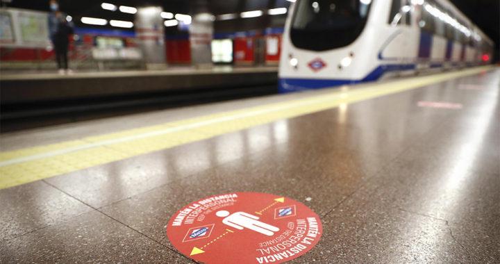 Metro instala nueva señalización de cara a la desescalada