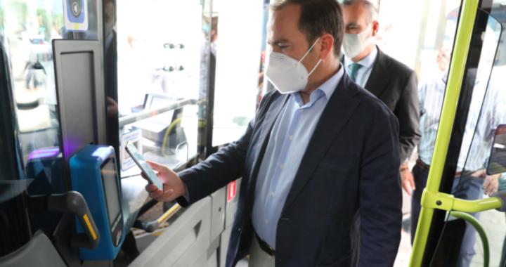 Arranca el primer piloto de bus a demanda entre los hospitales 12 de Octubre e Infanta Leonor