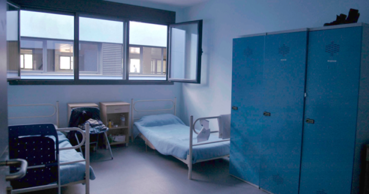 El centro temporal para solicitantes de asilo de Villa de Vallecas, modelo europeo para el sinhogarismo