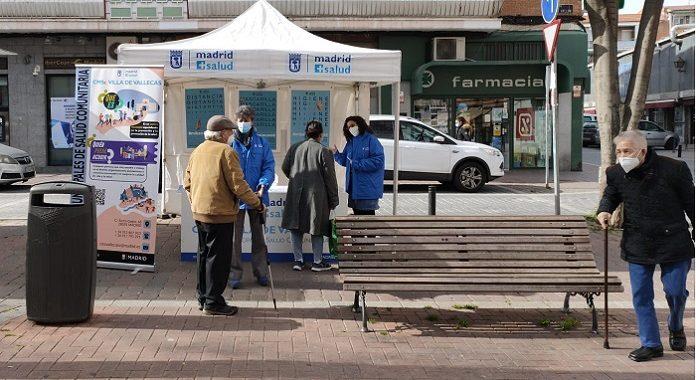 El Centro municipal de salud comunitaria de Villa de Vallecas sale a la calle