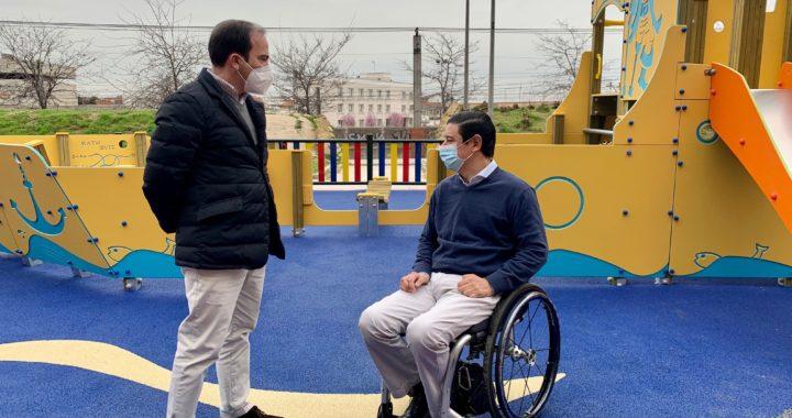 Parques y mobiliario urbano sin barreras para Vallecas