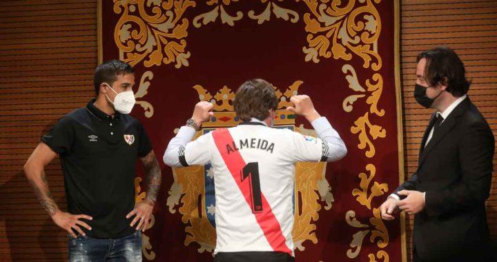 Almeida destaca los valores futbolísticos y humanos del Rayo Vallecano