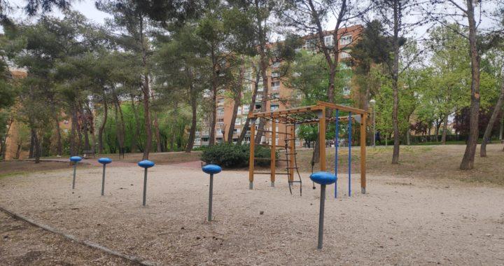 Calistenia en el parque Zazuar, entre los nuevos 80 circuitos madrileños para la práctica deportiva al aire libre