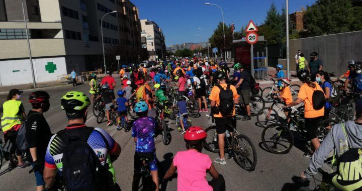 Marcha Ciclista 'A Piñón por la Movilidad' transcurrió por el Ensanche de Vallecas