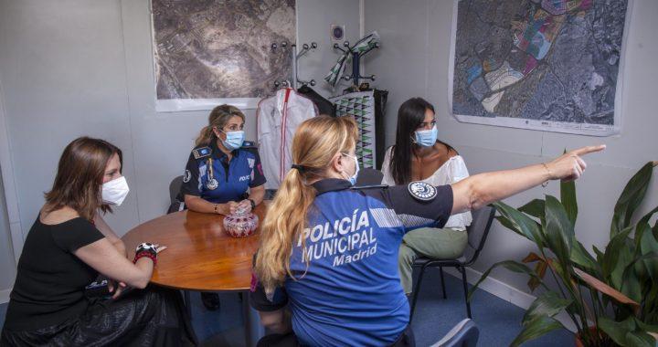 Villacís y Chapa visitan la Unidad Integral de la Policía Municipal de Villa de Vallecas